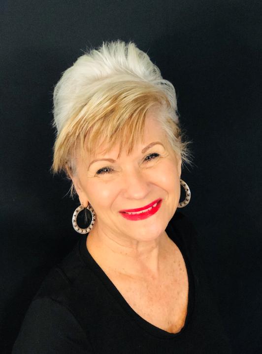 Linda Sofa : Headmaster